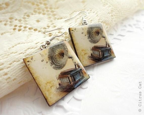 Vintage gramophone earrings - music jewelry