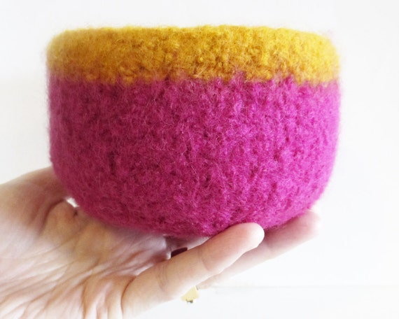 50% OFF SALE!! Felt Bowl, Wool Bowl, Pink & Orange Bowl Home Decor Storage Bowl Organize Desk Accessory Odd Ends Bowl Gift For Her Under 10