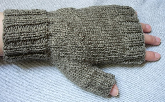 green fingerless gloves for men knitted with yarn 100% wool, 2 sizes available