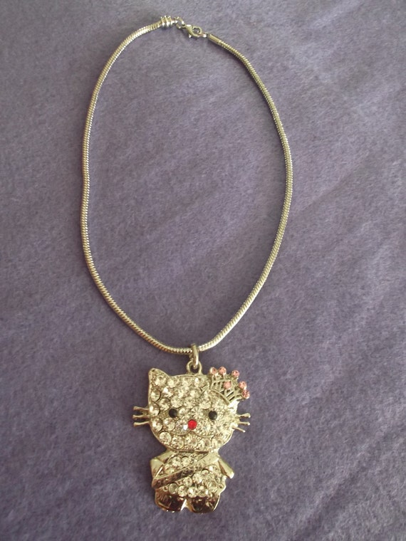 Sparkly Hello Kitty Swarovski Crystal on White Gold plated Snake Chain Necklace.