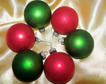 6 RED GREEN handblown Christmas Ornaments ca 1940's / 50's Made in USA Matte Shabby Chic Finish Starter Set 1