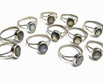 925 Sterling Silver Ring studded Chekker Cut Faceted Labradorite Gemstone , Fine Quality Labradorite Highly Flashy Oval Shape Faceted stone