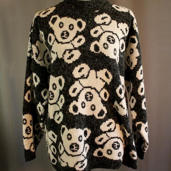 Vintage Black and White Teddy Bear Sweater // Needles & Yarn // Large