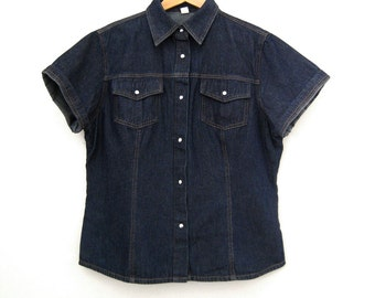 Vintage Women's Denim Short Sleeve Shirt - Size Medium / Large
