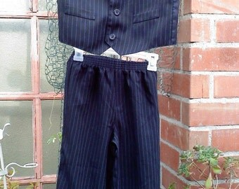 VINTAGE little boys dark blue with  blue pinstripe suits for little boys  size 5-6 years