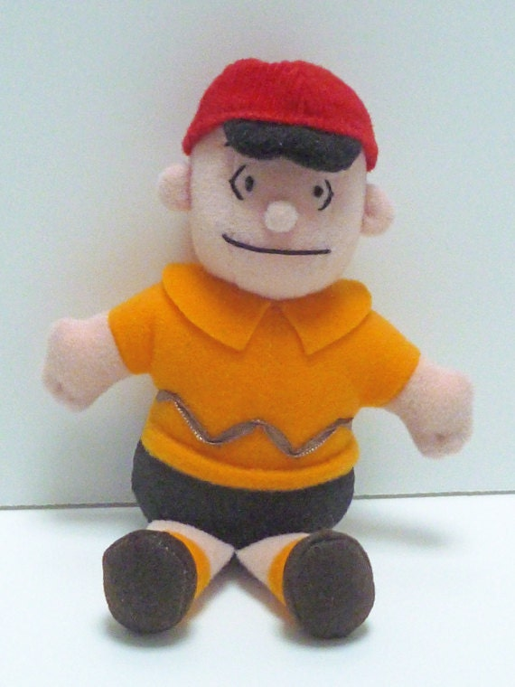 Cute Vintage Seated Plush Charlie Brown Small Doll