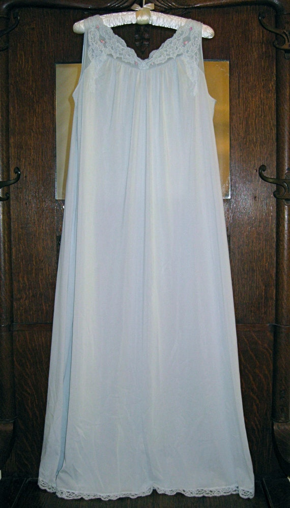 """Vintage Shadow Line Baby Blue 52"""" Long Night Gown with Beautiful Lace Accents and Pink Roses - Size L"""
