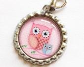 Owl zipper pull, backpack zipper pull, zipper pull, purse charm, owl charm, bottle cap, backpack charm, owl, pink (979)