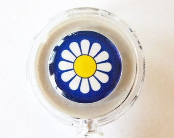 ID Badge Holder, Retractable id, Badge clip, Name Tag, Daisy, Blue, Flower