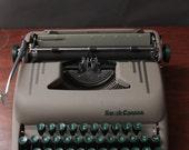 "Vintage Smith Corona ""Silent"" Manual Typewriter w/ case"