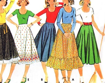 McCall's 5470 sewing pattern // Misses' T Shirt and Skirt