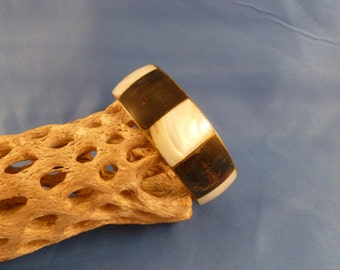Wood and shell Bracelet (B39)