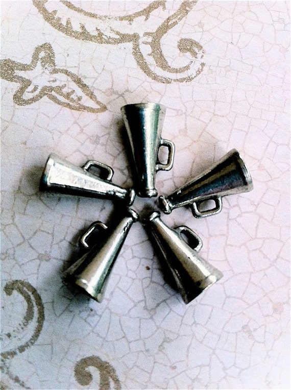Cheerleader Megaphone Charms -5 pieces-(Antique Pewter Silver Finish)--style 635--