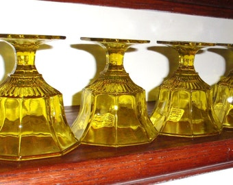"""4 INDEPENDENCE CRYSTAL YELLOW Retro Octagon Shaped Footed 4 1/2"""" Tall Glasses Stems Goblets Wine or Juice Glass Excellent Condition"""