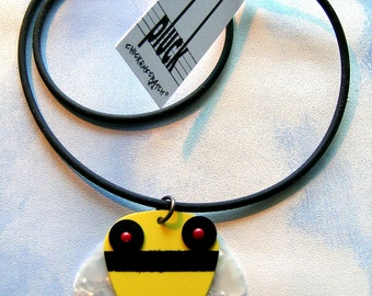 Pluck Bee Necklace