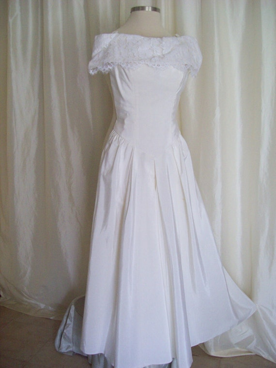 Vintage 70s white wedding dress wedding gown off shoulder prom gown lace formal dress strapless drop waist