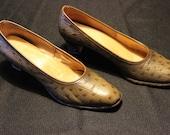 Vintage 70s Penaljo Shoes - Size 7.5 AA - faux crocodile skin - Pumps - High Heels
