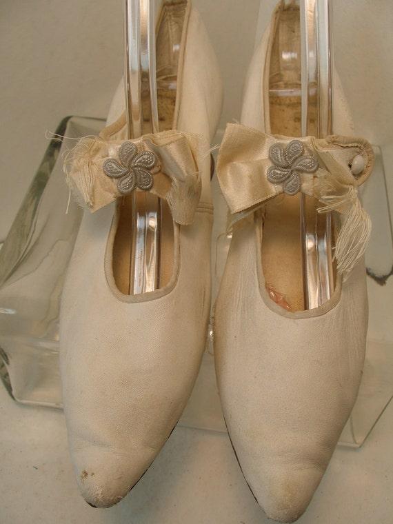 1900s White Kid Leather Mary Jane Wedding Shoes