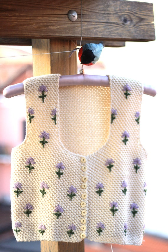 Vintage embroidered vest, handmade with white wool. Folk style.