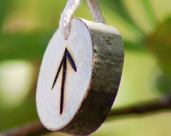 Birth Rune Pendant 'Teiwaz' 27th February to 14th March.