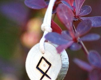Birth Rune Pendant 'Othala' 29th May to 14th June.