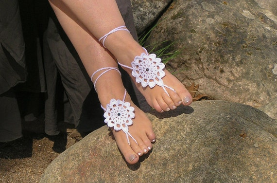 BAREFOOT SANDALS, Crochet, White Beach Wedding Anklets, Gypsy Foot Jewelry, Bohemian Hippie Sandals, Bridal Cotton Nude Shoes, Made to Order