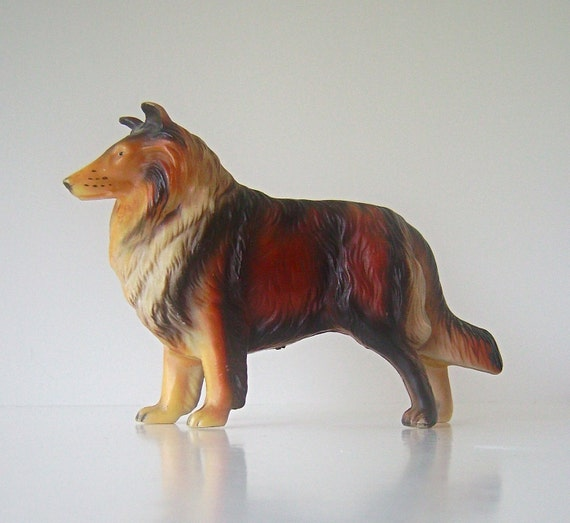 """Vintage """"Lassie Style"""" Collie Dog, Plastic Figurine, Made in Hong Kong, 4.5"""" tall"""