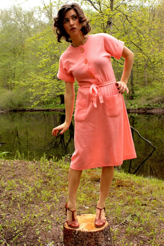 Vintage Buttoned Down Coral Day Dress With Pockets - Size Sm-Lg