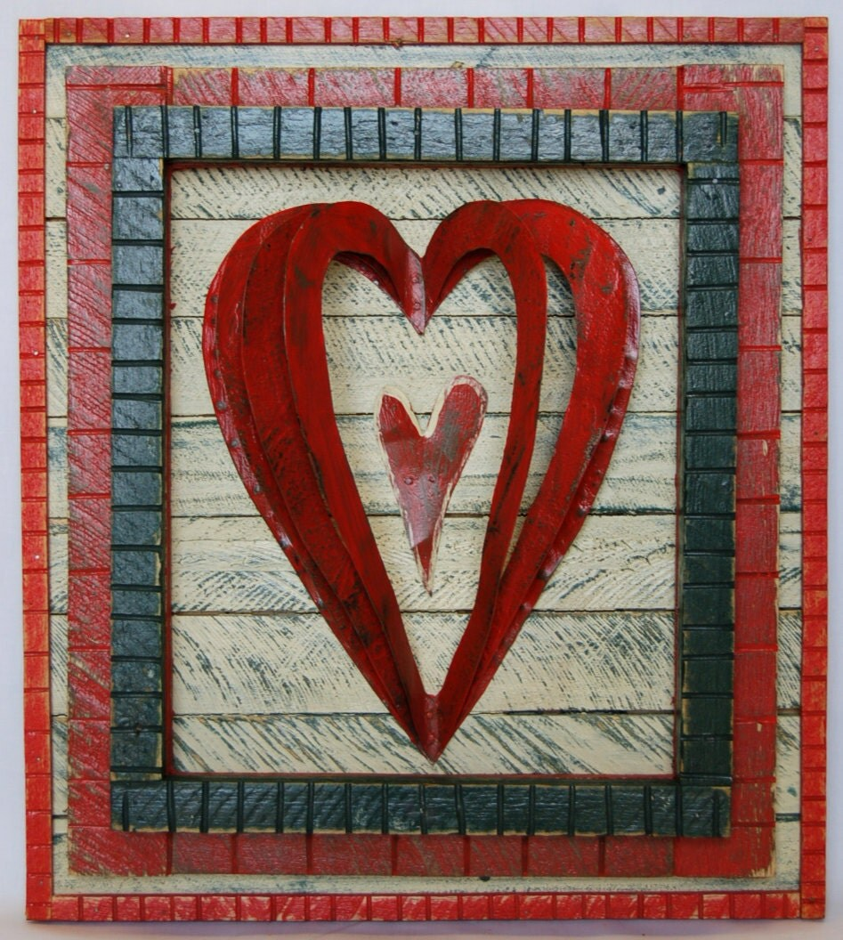 Recycled folk art heart wood metal wall art for Wooden heart wall decor
