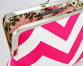 Large clutch in pink & white chevron zigzag