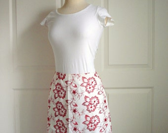Vintage 90s white skirt/ red floral embroidery/ A-line skirt/ 100 percent cotton/ Mica