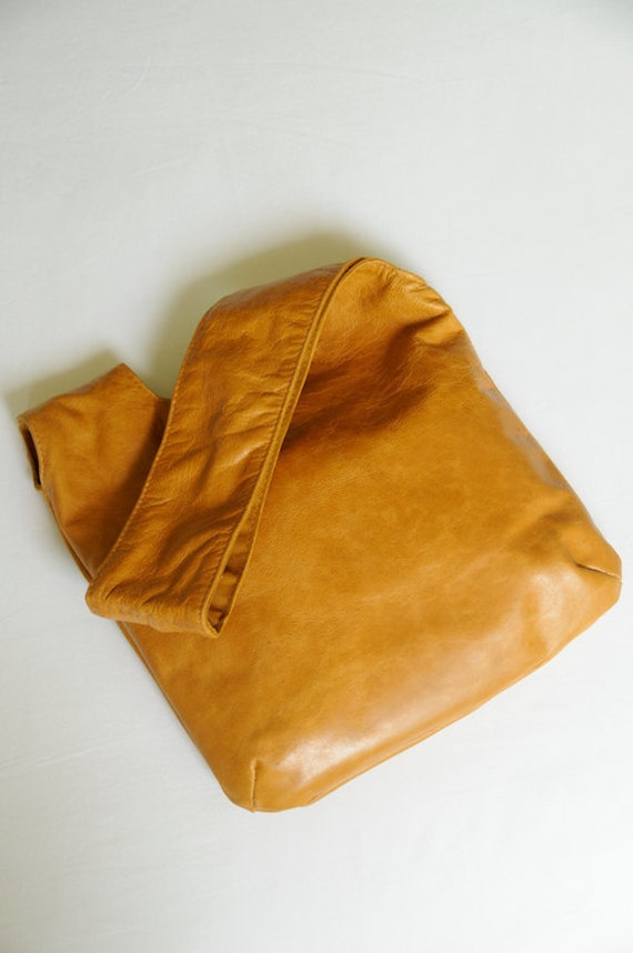 40% OFF. on SALE. POUCH Leather wristlet / pouch / small bag.