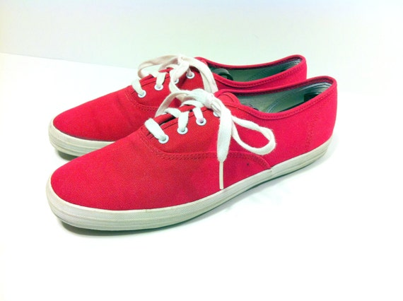 20 SALE --  Red Canvas Keds 9 - Lace Up Red Flats 9 - 90s Tennis Sneakers 9