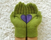 LIMITED GLOVES, Handful of Heart, Green Gloves with Purple Felt Heart
