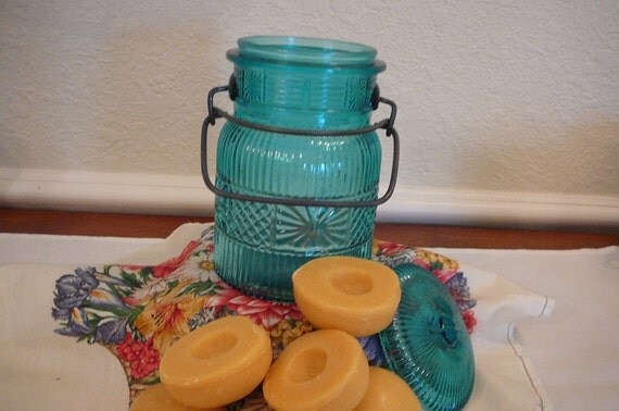 Vintage Avon aqua jar with peach soap