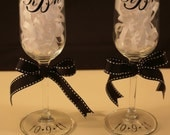 Pair of Personalized Champagne Glasses - Cheers