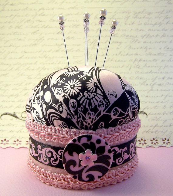 CLEARANCE Pincushion needlecraft pinker Lady Yoko pink black silk floral fabric pin cushion decorative straight pins TAGT