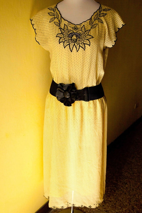 60s Vintage Yellow dress Cocktail party size medium M embroidered neck
