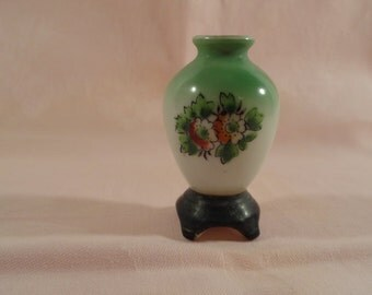 Rare 1940s Occupied Japan H. Kato Miniature Vase in White and Sage Green Ceramic with Handpainted Flowers