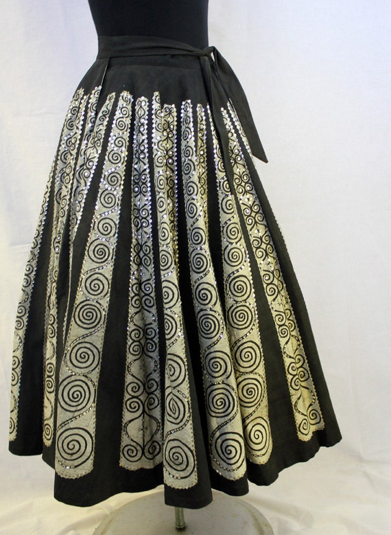 SALE - 1940's/1950's Macambo Mexican Swing Circle Party Skirt - Rockabilly Dancing Sequins