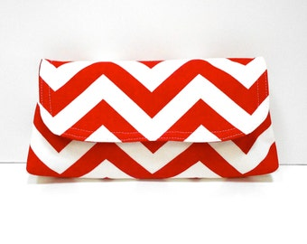Clutch Red and White ZigZag Chevron