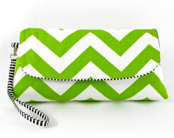 Clutch with Wristlet Green and White ZigZag Chevron