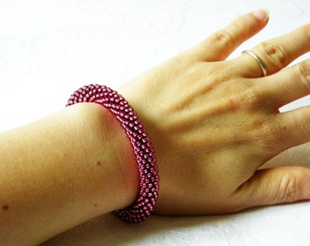 Pink bangle/Raspberry Bracelet/Hot Pink Bracelet/Beaded rope bracelet/Crocheted bangle