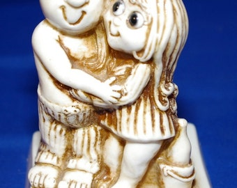 Retro Russ Berrie & Co Happy Anniversary Gift Statue or Sillisculpt from 1976. Number 9224