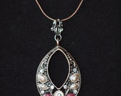 Decorative embellished pendant necklace