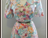 Bright fun floral mini with wide collar 1970s 1980s