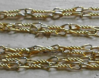 """Gold chain link necklace 1960s Mod Vintage Flapper whopping  54"""" long twisted pin style"""