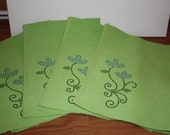 Bright green placemat 4 pack with rhinestone flower bling spring