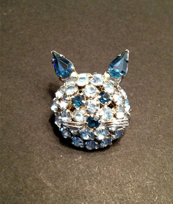 SIGNED Warner Blue Rhinestone Cat Pin