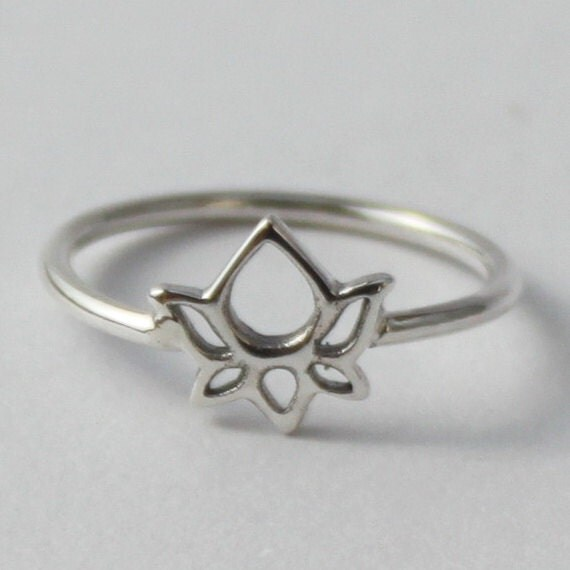 Lotus Sterling silver Ring - Beautiful, Spititual Symbol.